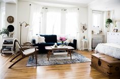 Name: Amanda Holstein and dog Auggie Location: San Francisco, California Size: 550 square feet Years lived in: 1 year Amanda is the voice behind the blog Advice from a 20 Something. And seeing what a smart job she did designing her San Francisco studio apartment, it would seem she's got great advice to give! The small space she shares with her dog Auggie is full of interesting furnishings, yet feels bright and airy.