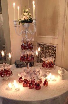 """Esposizione delle nostre bomboniere ad un ricevimento di nozze con la bottiglia """"Giulia"""" riempita con olio"""