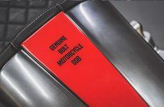 Una nueva cafe racer customizada por Bolt Motor Company, especialistas en Cafe Racer. No te pierdas el antes y el después de esta HONDA 750.