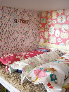 Bookshelf dollhouse- cute decorating ideas
