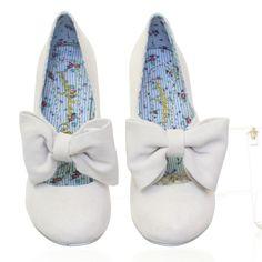 Irregular Choice Windsor shoes in cream
