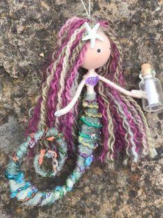 Yarn Crafts, Felt Crafts, Crafts To Make, Arts And Crafts, Mermaid Dolls, Mermaid Art, Mermaid Ornament, Nautical Gifts, Clothespin Dolls