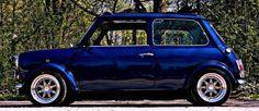 mini cooper Mini Cooper Clasico, Classic Mini, Classic Cars, Mini Morris, Jaguar, Mini Copper, Porsche, Automobile, Mini Clubman