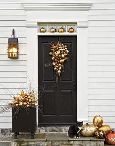 An autumnal inspired front door.