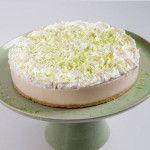 A Torta Ice Lemon é feita com: Finíssima massa de biscoito, creme de chocolate branco com limão e cobertura de suspiros de chantilly com raspas de limão.