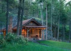 A collection of small log cabin designs to warm your heart and stir your soul! Small Log Cabin, Tiny Cabins, Tiny House Cabin, Little Cabin, Log Cabin Homes, Cabins And Cottages, Cozy Cabin, Log Cabins, Guest Cabin