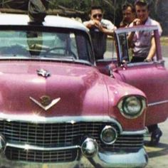 The Incredible Cadillac Collection Of Elvis Presley - http://www.sqba.co/cars/the-incredible-cadillac-collection-of-elvis-presley/