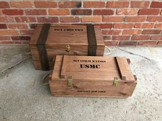 WoodyThings Military Trunk and Ammo Box Stained You are in the right place about wood crates tv stan Wooden Crates Packaging, Wooden Crate Boxes, Wood Crates, Wood Boxes, Diy Storage Boxes, Crate Storage, Storage Ideas, Chuck Box Plans, Military Box