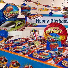 Put the pedal to the metal with awesome racetrack inspired party balloons, centerpieces, hanging décor and more!