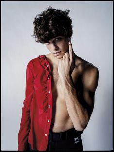 Noah Centineo photographed by Tim Walker for W Magazine. Noah wears Prada shirt & pants, Centineo's own necklace. Lara Jean, Beautiful Boys, Pretty Boys, Beautiful People, Noah, Hot Actors, Celebs, Celebrities, Hot Boys