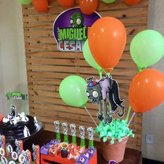 Balloons to give out at the party Zombie Birthday Parties, 7th Birthday, Zombie Party Decorations, P Vs Z, Plant Zombie, Balloons, Birthdays, Ideas, Zombie Birthday
