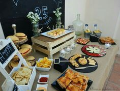 Love the different ways to display food. Buffets, Bar Deco, Tapas, Man Party, 40th Birthday Parties, Ideas Para Fiestas, Fiesta Party, Snacks, Barbacoa