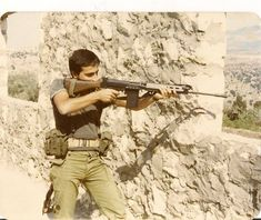 FN FAL in action. Lebanese Forces.