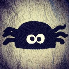 This listing is for a Black Spider crocheted hat - can be made either as a beanie or with earflaps with or without braids. Perfect for Halloween