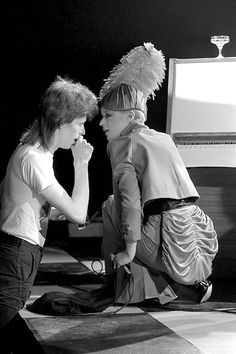British singer Marianne Faithfull performs alongside David Bowie for his final appearance as Ziggy Stardust at the Marquee club during a three night filming session of 'The 1980 Floor Show' for the American NBC TV late night show in London, 19 October David Bowie Fashion, Trevor Bolder, Ziggy Played Guitar, Mick Ronson, David Bowie Ziggy, Bowie Starman, Marianne Faithfull, The Thin White Duke, Pretty Star