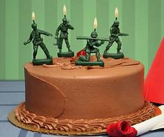 Happy birthday, soldier! Serving proudly as the perfect decoration for a military themed birthday cake, these green Army Men candles come in a set of five,...