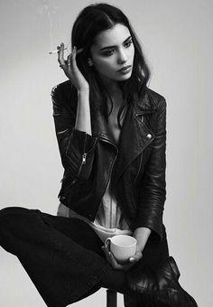 Photography Poses : – Picture : – Description ♡ k i m ♡ -Read Smoking Ladies, Girl Smoking, Irina Sharipova, Photo Mannequin, Photography Poses, Fashion Photography, Shotting Photo, Black And White Pictures, Black And White Girl