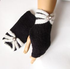 Hand Knit Black White Gloves Fall Fashion Mitten Winter by Pasin, $32.00. (For more happy healthy humorous & creative hoopspiration please check out: www.HipTheHoopla.com & www.facebook.com/HipTheHoopla~ thanks! :) Also www.ToucheToon.com (cartoon humor) & www.DatingAndHandGrenades.com (relationship humor :-)