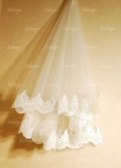 short bridal veil  ivory veil lace wedding veil  by fitdesign, $79.00