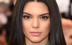 Kendall Jenner Refuses to Become a Photographer, Modeling Still Her Life Kendall Jenner Eyebrows, Kendall Jenner Images, Kardashian Jenner, Kylie Jenner, Brunette Models, Become A Photographer, Tips Belleza, Interesting Faces, Beauty Trends