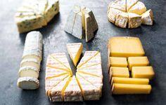 L'art de la découpe des fromages : http://www.couteaux-laguiole.fr/comment-bien-decouper-le-fromage/
