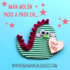 manualidades para sant jordi Diy For Kids, Crafts For Kids, Dinosaur Stuffed Animal, Wraps, Presents, Invitations, Christmas Ornaments, Holiday Decor, Rose