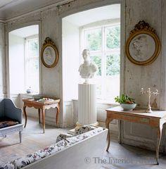 gilt-framed plaster medallions | Lars Sjoberg
