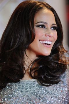 Love Paula Patton Thicke! The hair, the makeup... everything! <3