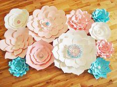 Décors de fleurs de papier sont un moyen idéal pour ajouter une touche unique à vos événements, fleur art mural pour la décoration, décoration de mur de chambre de bébé ou un décor de fleur de papier pour votre mariage! Fleurs viennent complété (aucun assemblage requis). Offrant