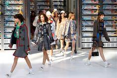 Ook robots gaan gekleed in Chanel - Het Nieuwsblad: http://www.nieuwsblad.be/cnt/dmf20161004_02501033