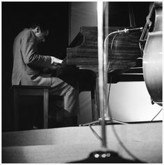 Horace Silver Piano – The Birdhouse – Chicago IL – December 1960 PHOTO Laird Scott