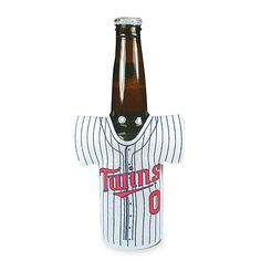 This #Twins beverage holder is just adorable, so how could you resist?