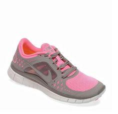"""Yaza hazırlık için kilo verme çalışmaları başladı mı? Bu """"yol""""da Nike Free Run size, hem de indirimli fiyatıtla yardımcı olabilir: https://www.intersport.com.tr/urun/ayakkabi/nike-wmns-nike-free-run-3-ayakkabi/90012"""