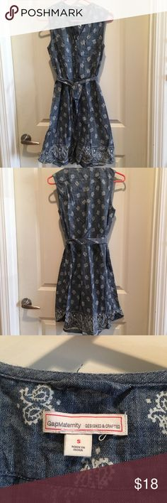 Gap maternity cotton sleeveless dress size small Adorable 100% cotton Gap denim with white paisley print maternity dress with tie waist. No belt loops so this was great for adjusting the tie above my belly as I grew! Excellent used condition. GAP Dresses