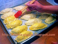 Τυροπιτάκια με αφράτη ζύμη - από «Τα φαγητά της γιαγιάς» Pie, Bread, Cheese, Blog, Torte, Cake, Fruit Cakes, Brot, Pies