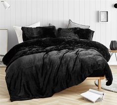 Are You Kidding Black Plush Sheets. Softest sheets for Twin XL, Queen, and King Beds - All About Decoration Gray Bedroom, Bedroom Inspo, Bedroom Sets, Bedding Sets, Black Bedroom Decor, Bedrooms, Trendy Bedroom, Bedroom Storage, Black Comforter