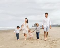 Spent a wonderful morning with this beautiful family out at Cannon Beach yesterday. Cant wait to share more goodies after the family receives their full gallery