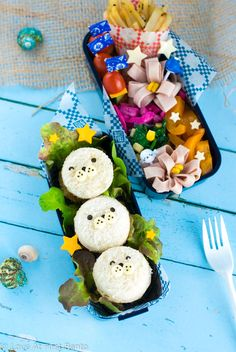 Lunch doesn't get any cuter than these Mini Baby Seal Fish Burgers. They're easy to make, & almost too cute to eat! Perfect for a nautical-themed bento box. Cute Lunch Boxes, Bento Box Lunch, Fish Burger, Kawaii Bento, Baby Seal, Food Themes, Seals, Lunch Recipes, Burgers