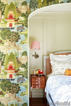 Zoffany wallpaper frames a niche in the guest bedroom. Bold wallpaper frames a niche in a Texas home's guest bedroom. Antique furniture and white bedding balances out the bold walls. Stylish Bedroom, Cozy Bedroom, Modern Bedroom, Bedroom Decor, Design Bedroom, Bedroom Green, Beautiful Bedroom Designs, Beautiful Bedrooms, Beautiful Homes