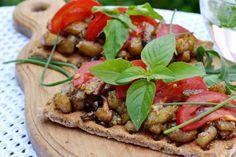 Aubergine with shiitake mushrooms and balsamic vinegar Balsamic Vinegar, Vegetable Recipes, Stuffed Mushrooms, Vegetables, Ethnic Recipes, Food, Stuff Mushrooms, Essen, Meals