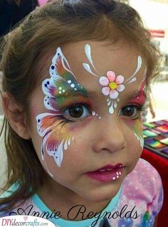 Are you in search of ideas for face painting for parties? Then check out our pick of 30 designs for face painting for kids! Girl Face Painting, Face Painting Designs, Paint Designs, Body Painting, Face Painting Tips, Diy Face Paint, Face Painting Tutorials, Painting Tattoo, Painting Art