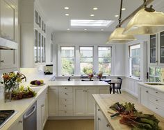 Miraculous Tips: Kitchen Remodel Layout Curtains oak kitchen remodel no sanding.Oak Kitchen Remodel House kitchen remodel on a budget paint.Kitchen Remodel On A Budget Layout. Long Narrow Kitchen, Small Kitchen Cabinets, New Kitchen, Kitchen Ideas, Cheap Kitchen, Square Kitchen, White Cabinets, Kitchen Small, Gally Kitchen