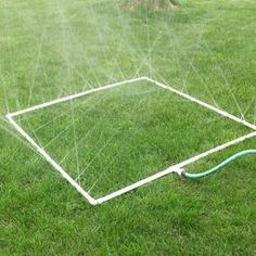 How to Build a PVC Sprinkler for your Vegetable Garden  There are a variety of options when it comes to making sure your garden is properly hydrated. #DIY #garden