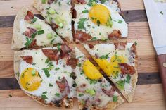 Grilled breakfast pizza. The only thing better than pizza, is pizza for breakfast!