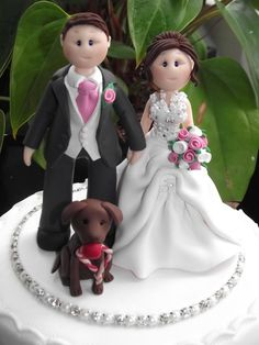 personalised bride groom & pet on a base by babytracyscaketopper