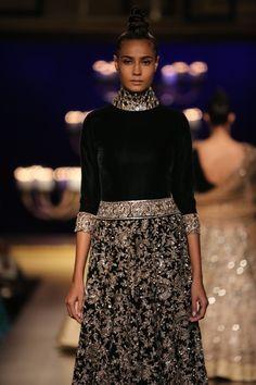 #ICW #ICW2014 #logixgroup #ManishMalhotra #potrait #fdci #designercouture #couturedolls #coutureweek #indianfashion #weheartit #detailtherapy #instalike #vogue #elegant #vintage #antique #velvet