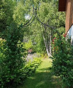 VillaTuta: Virkattu vauvan mekko Baby Dress, Lighthouse, Crochet Baby, Arch, Country Roads, David, Outdoor Structures, Decor, Gardens