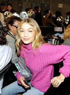 Gigi Hadid || backstage @ Anna Sui S/S 2018, NYFW (September 11, 2017)