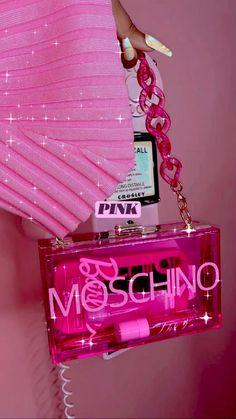Pink Wallpaper Girly, Bad Girl Wallpaper, Pink Wallpaper Iphone, Pink Makeup Wallpaper, Pink Tumblr Aesthetic, Baby Pink Aesthetic, Iphone Wallpaper Tumblr Aesthetic, Bedroom Wall Collage, Photo Wall Collage