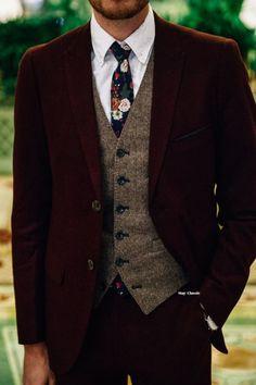 a burgundy velvet suit, a brown tweed waistcoat, a white button down, a moody floral tie for a winter look with a touch of boho groom outfit 52 Cool Winter Wedding Groom's Attire Ideas Vintage Wedding Suits, Wedding Men, Wedding Attire, Tweed Wedding Suits, Wedding Groom, Trendy Wedding, Perfect Wedding, Wedding Ideas, Men Wedding Suits
